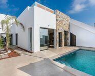 Villa te koop in Pilar De La Horadada